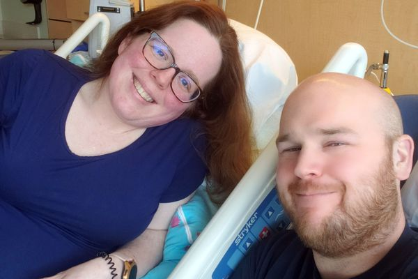 Peggy Treadway and husband Nick Treadway make a selfie in Peggy's hospital room. (Photo by Peggy Treadway)