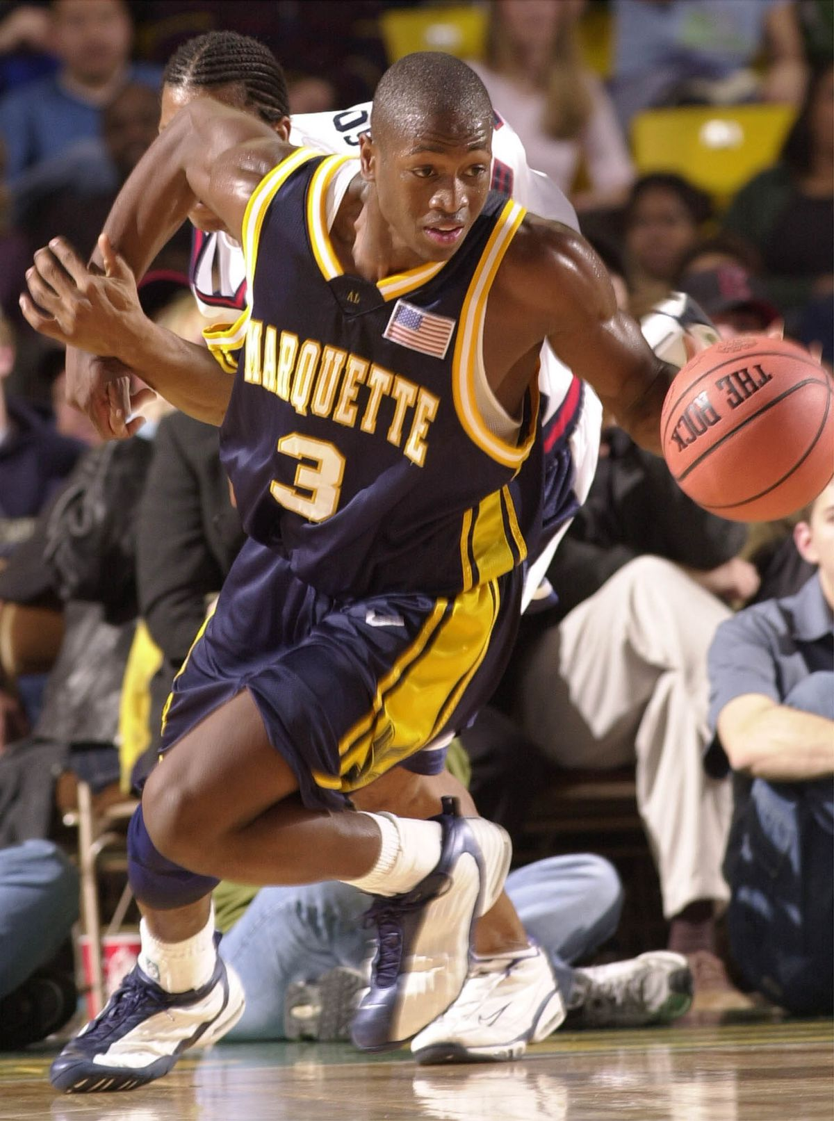 Dwyane Wade controls the ball for Marquette at the 2001 Great Alaska Shootout. (Marc Lester / ADN Archive 2001)