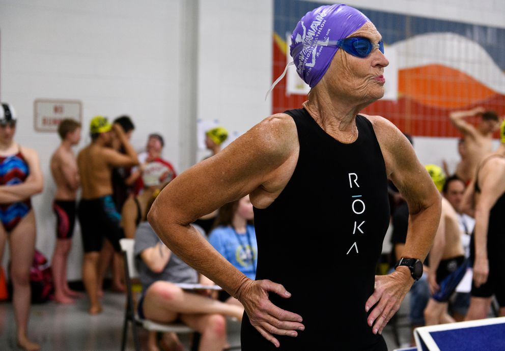 Diane Mohwinkel gets ready to enter the pool. (Marc Lester / ADN)