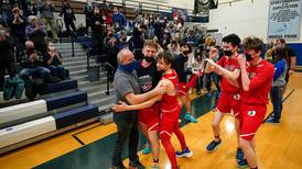 Lumen Christi dominates to force a running clock and leave no doubt who's No. 1 in Class 1A boys basketball
