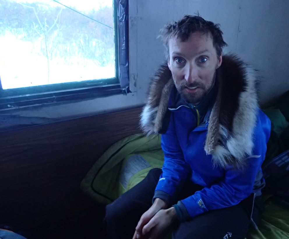 Fairbanks meteorologist and fan-of-the-cold Ed Plumb, on a 2015 ski trip from Shishmaref to Nome. (Photo by Ned Rozell)