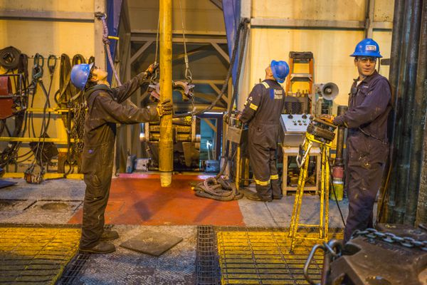 Roughnecks work on BP's Parker Rig 272, which is drilling into the Lisburne Reservoir at drill site L3 in Prudhoe Bay on Friday, May 22, 2015. (Loren Holmes / ADN)