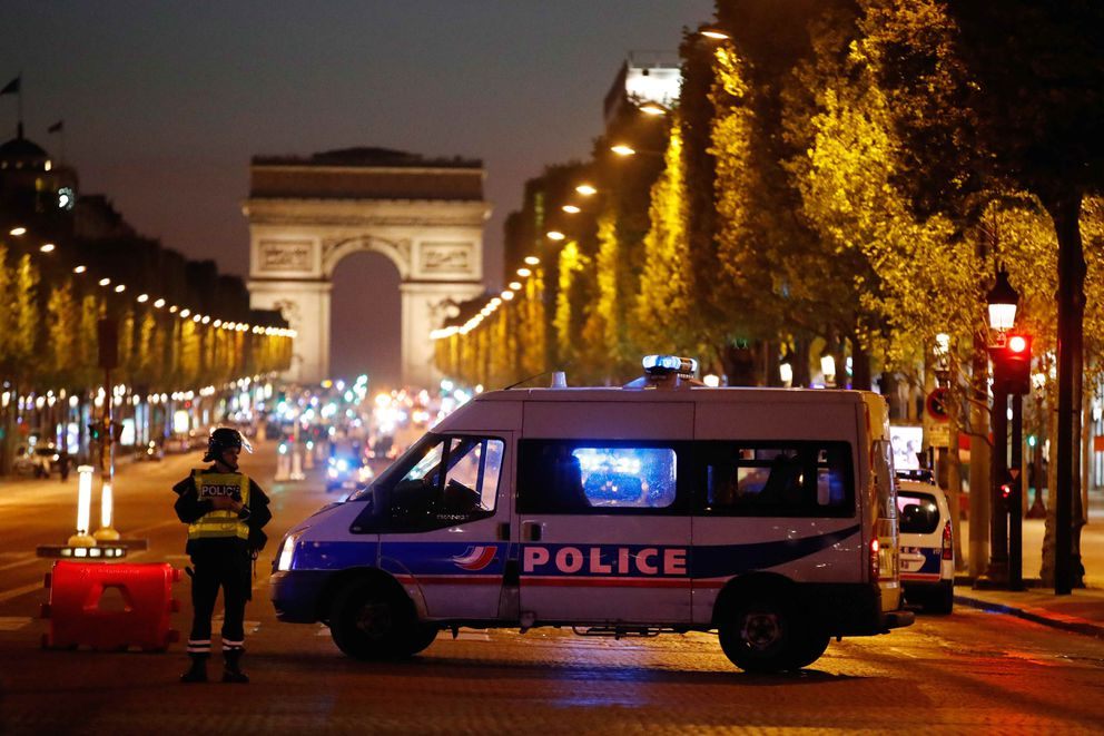 Police secure the Champs Elysees after one policeman was killed and two werewounded in a shooting in Paris, April 20, 2017. REUTERS/Christian Hartmann