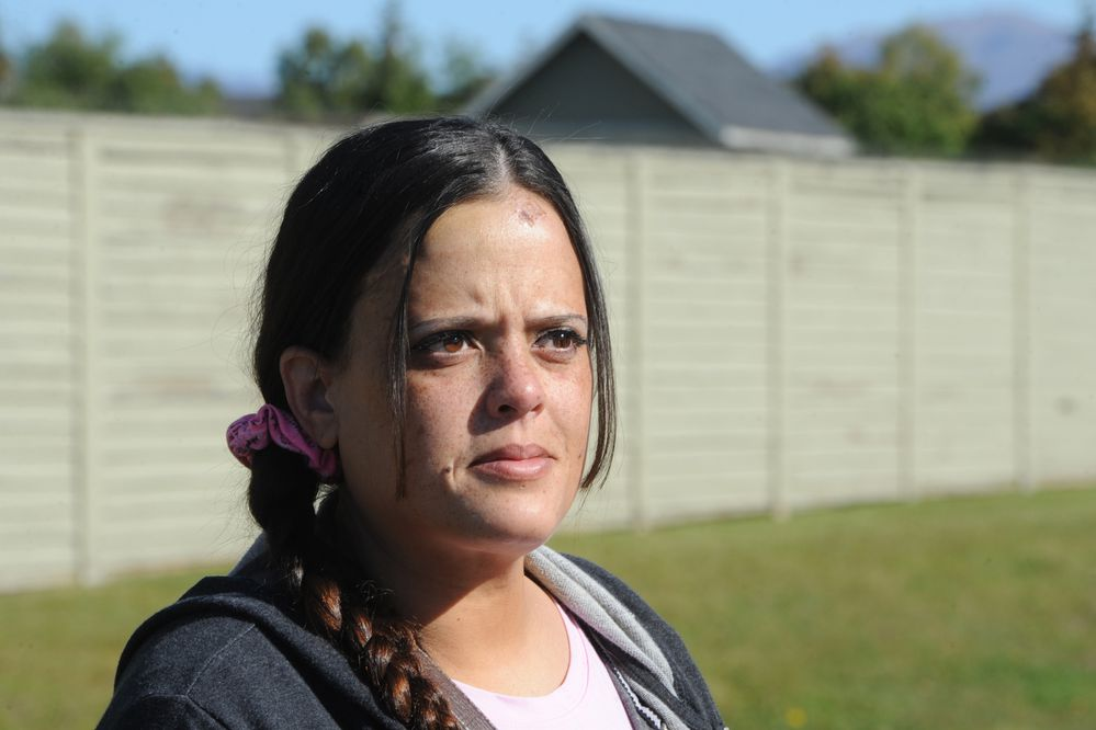 Mikka Thomas was recently attacked in Fairview by a man wielding a rock. She fought and screamed and a neighbor, Shaun Sullivan, heard her screaming. Sullivan got out of bed and chased off the assailant and held him until police arrived. (Bill Roth / ADN)