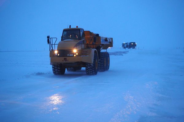 Snow hauled along the Oil Search ice road on Nov. 28, 2018. (Kimberley Maher photo)