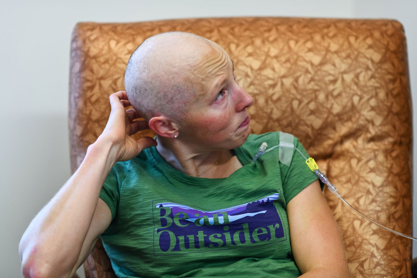 Kikkan Randall cries after reading a letter of support that was sent to her cancer treatment clinic on Aug. 21. (Marc Lester / ADN)