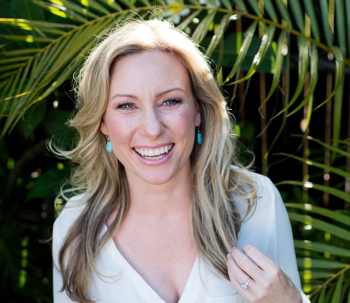 Justine Damond, also known as Justine Ruszczyk, from Sydney, is seen in this 2015 photo released by Stephen Govel Photography in New York. Courtesy Stephen Govel Photography/Handout via REUTERS