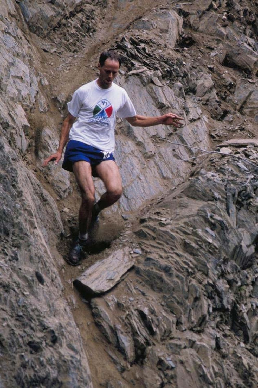 Bill Spencer descends the lower half of Mount Marathon during the 1991 race. (ADN archives)