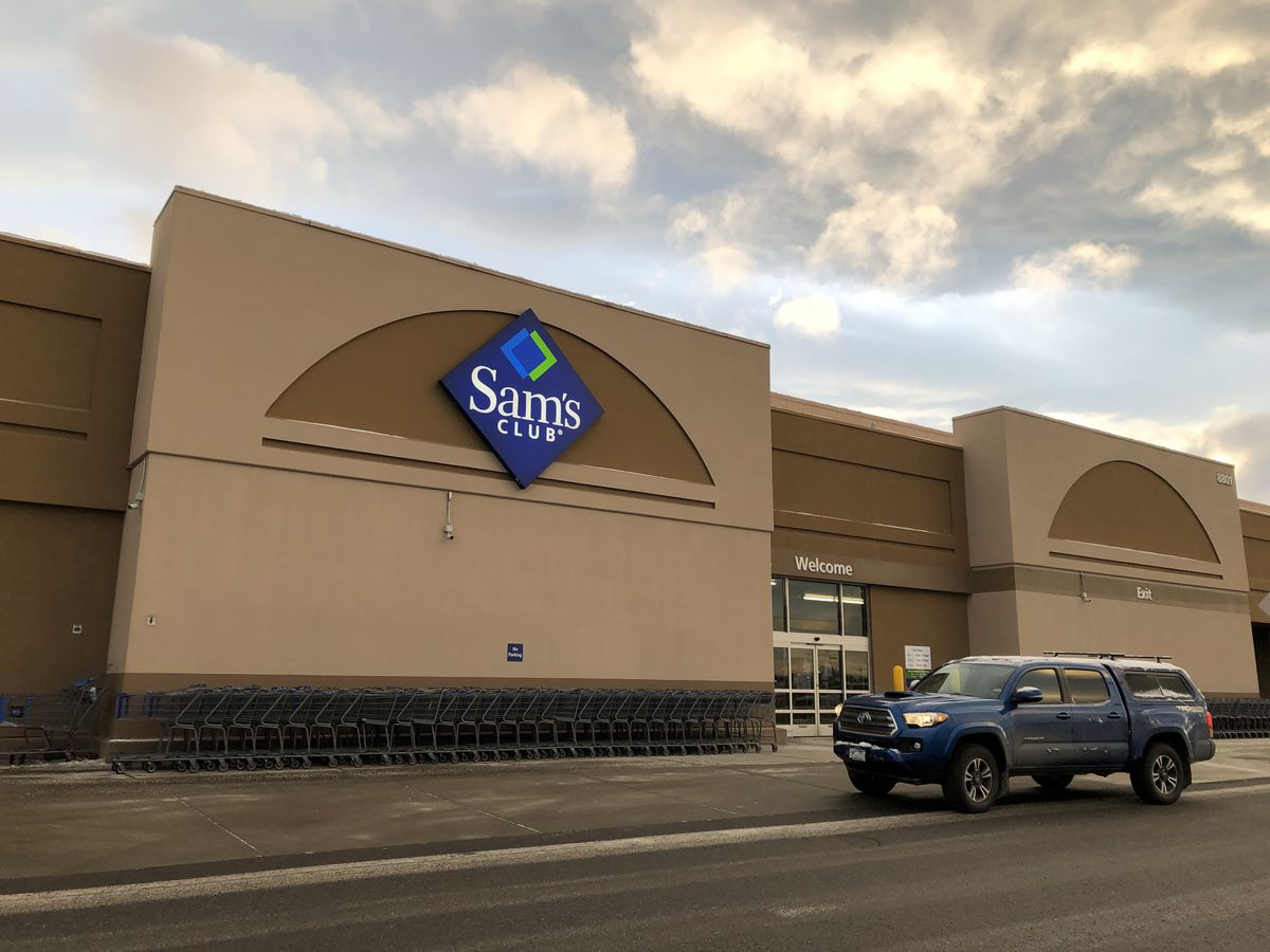 The Sam's Club store on Dimond Boulevard in Anchorage. Sam's Club, a unit of Wal-Mart Stores Inc., closed a series of stores nationwide, including all Alaska Sam's Club stores, it said on Thursday, Jan. 11, 2017. (Loren Holmes / ADN)