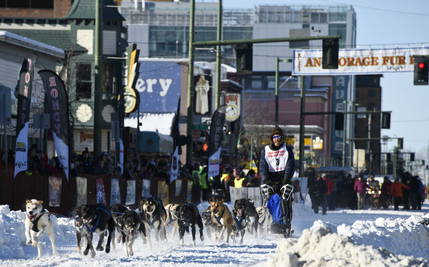 Armin Johnson, of Whitehorse, Yukon, leaves the starting line on 4th Avenue. (Marc Lester / ADN)