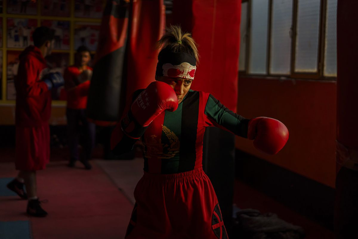 Khurshid Muhammadi, 16, trains at Berzhad Boxing Gym three times a week in Kabul, Afghanistan, on November 9, 2020. (Marcus Yam/Los Angeles Times/TNS)