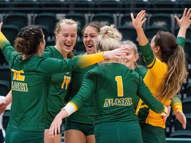 UAA volleyball team scores final 7 points to win a  thriller and end a losing streak