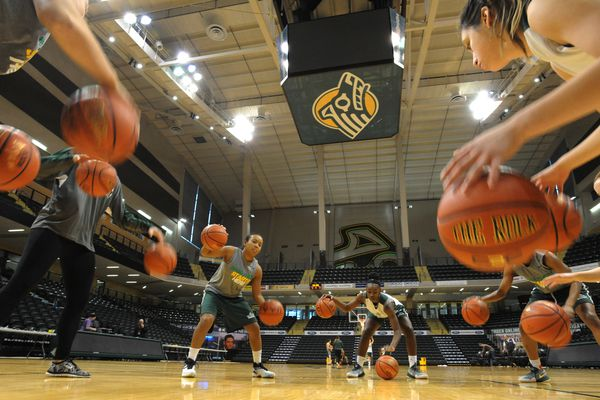 The unbeaten UAA women's basketball team practices at the Alaska Airlines Center on Monday, Nov. 21, 2016, before their opening game against Portland in the GCI Great Alaska Shootout at 7:30 p.m. on Tuesday. (Bill Roth / Alaska Dispatch News)