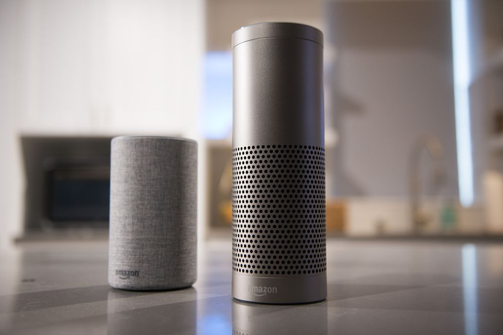 The Amazon.com Echo (left) and Echo Plus in Seattle, Washington, on Sept. 27, 2017. (Bloomberg photo by Daniel Berman)