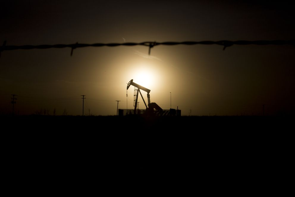 Texas Oil Fields Make A Comeback From Price Lull But Jobs Are Left Behind Anchorage Daily News