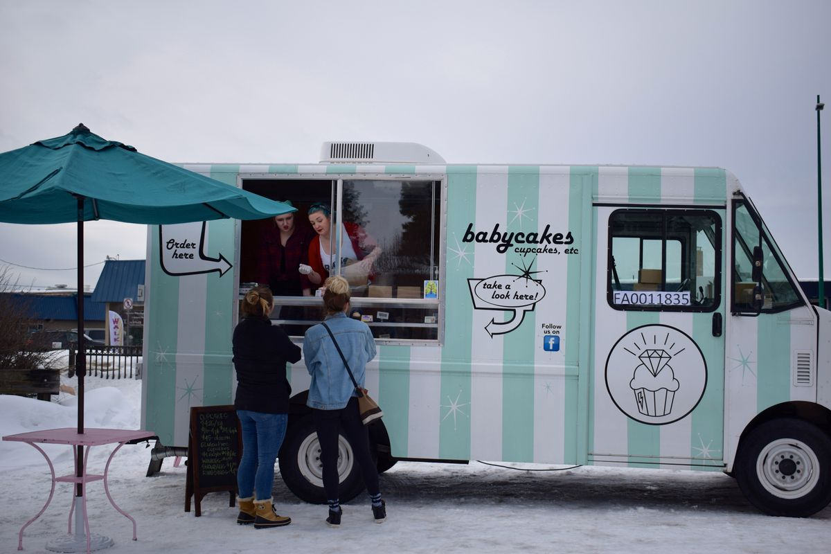 Babycakes food truck.  (Photo by Charlotte Severin)