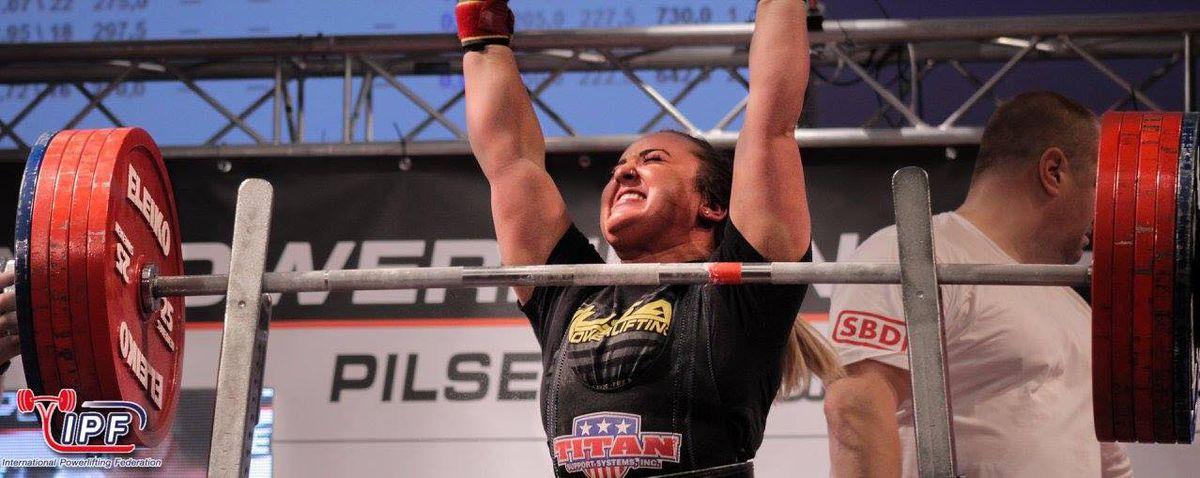 2 Alaska women set world records at powerlifting