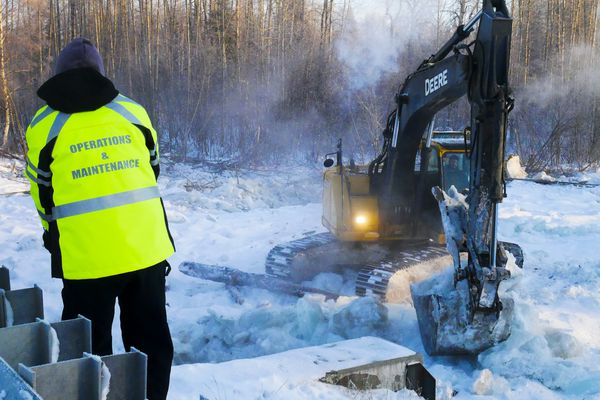 Work continues at Willow Creek Wednesday, Jan. 8, 2020, to restore the flow to the channels of the river after an ice jam Dec. 22, 2019 forced water over the banks. (Photo by Stefan Hinman / MSB)