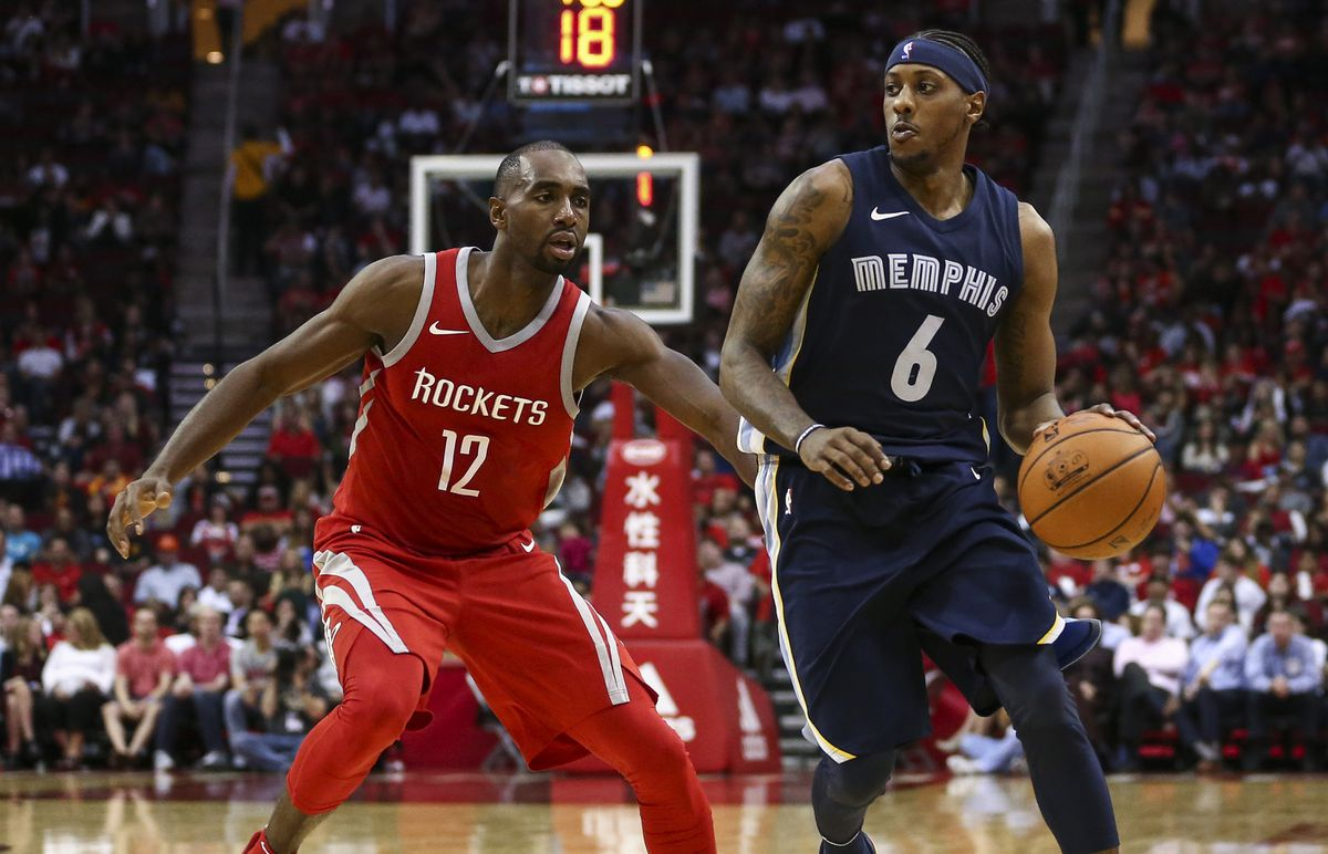 Mario Chalmers (right) controls the ball during a game last season against the Houston Rockets.  (Troy Taormina / USA TODAY Sports)