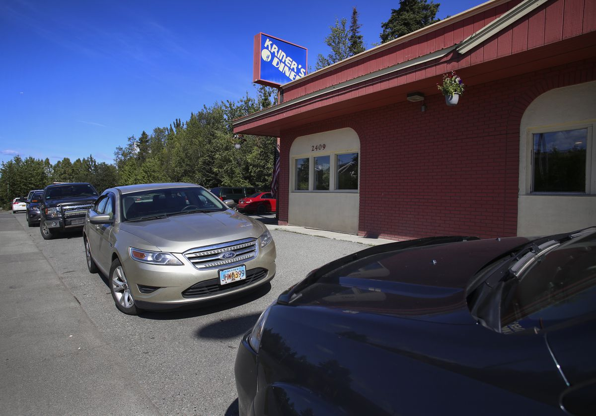Vehicles line the parking lot at Kriner's Diner in Anchorage on Aug. 4, 2020. (Emily Mesner / ADN)