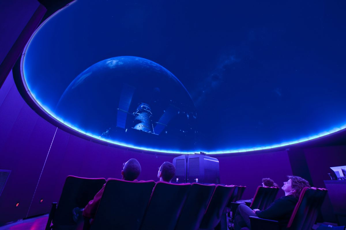 Thomas Planetarium interior Planetarium Gallery (Chris Arend Photography / Anchorage Museum)