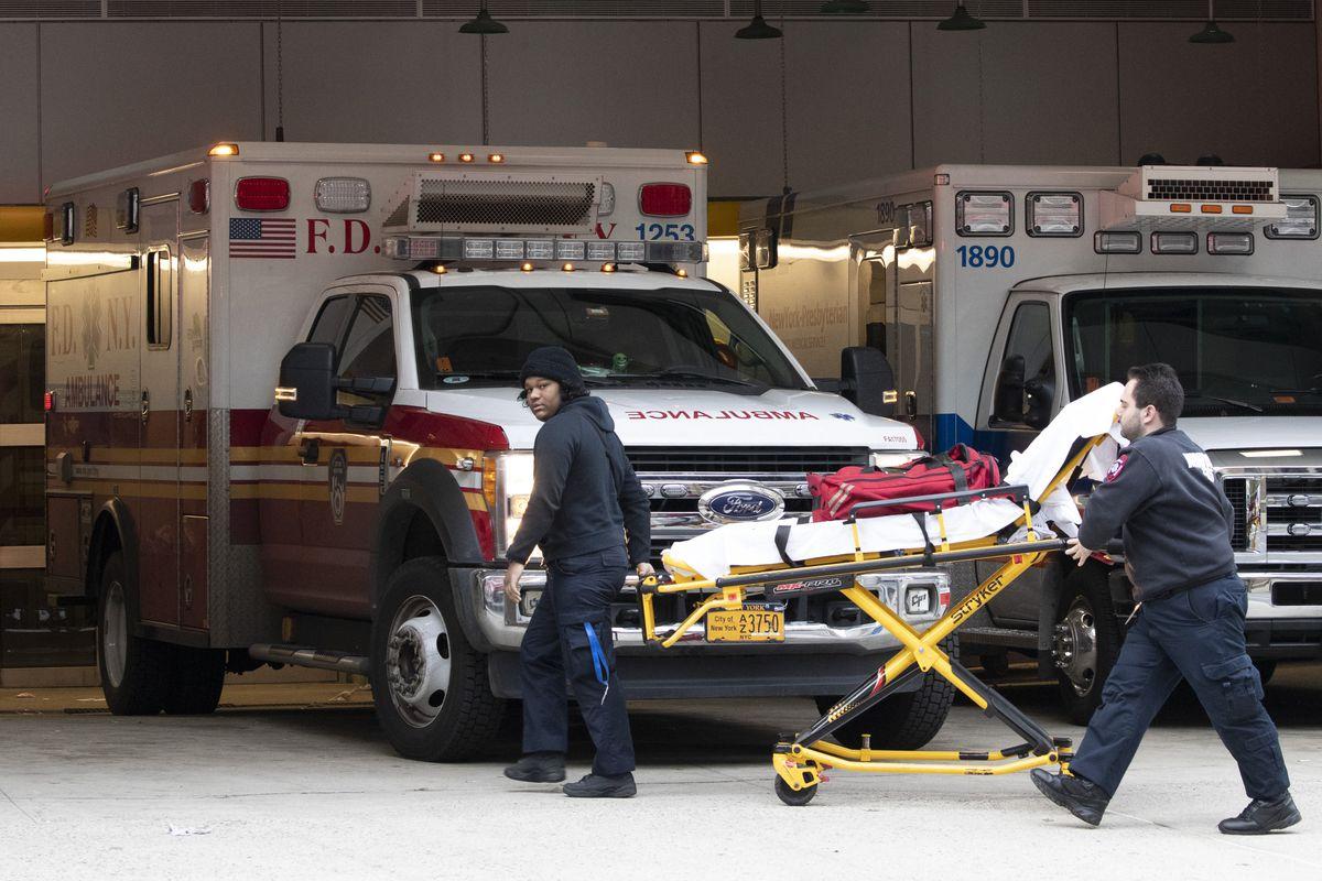 Hospitals across U.S. consider universal do-not-resuscitate orders for coronavirus patients thumbnail