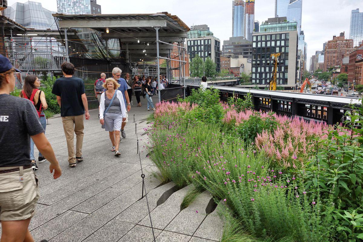 Walking the High Line in New York City: part garden, part performance space, part overlook. (Photo: Scott McMurren)