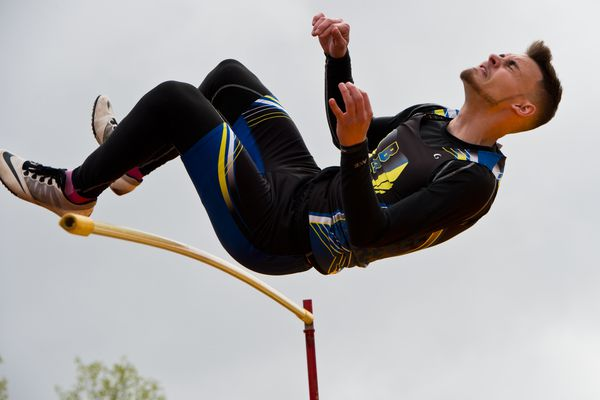 Dallas Tellef of Bartlett competes in the high jump. Dimond High School hosted the first day of the Cook Inlet Conference track and field championships on Friday, May 18, 2018. (Marc Lester / ADN)