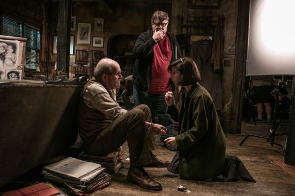 "Richard Jenkins, director Guillermo del Toro and Sally Hawkins on the set of ""The Shape of Water."" (Kerry Hayes/Twentieth Century Fox)"