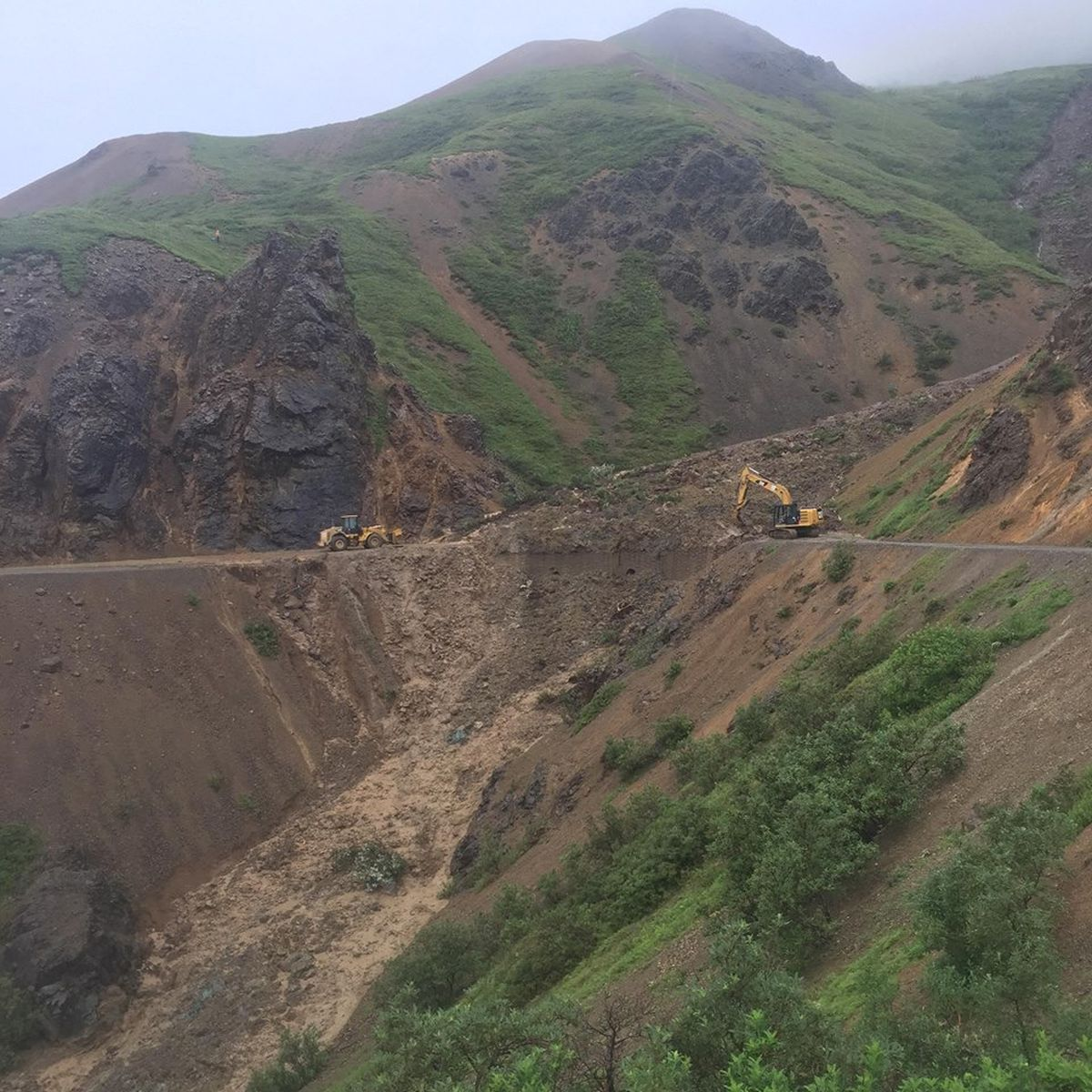 Park staff closed the Denali Park Road at mile 67 after a large mudslide on July 30, 2016. The road reopened on Aug. 9. (Photo by James Long)
