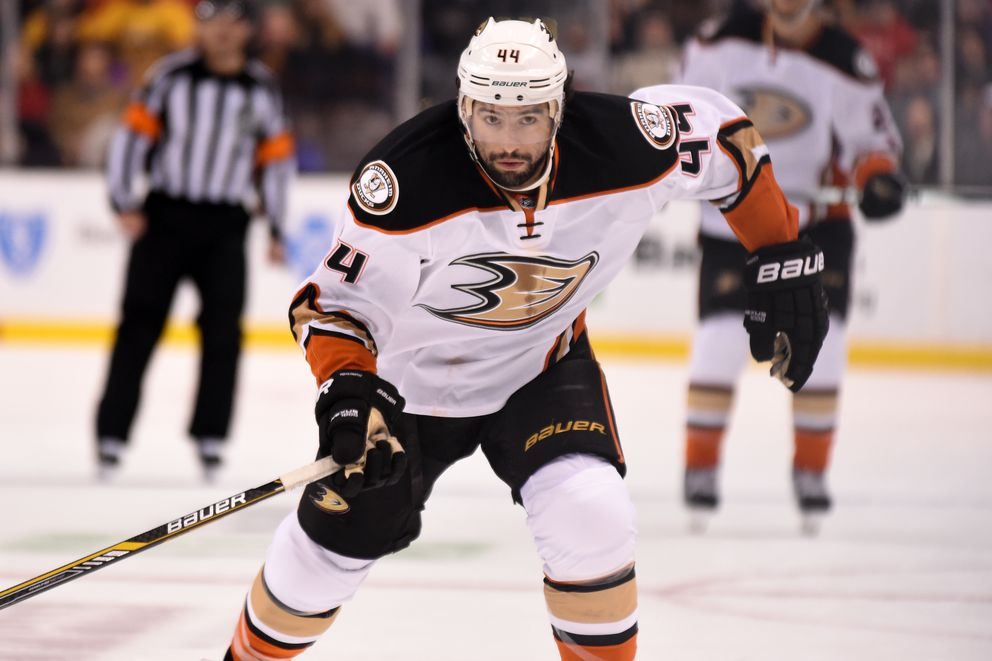 NHL center Nate Thompson of Anchorage on Saturday signed a two-year free-agent deal with the Ottawa Senators after previously playing for the Anaheim Ducks. (Steve Babineau/NHLI via Getty Images)