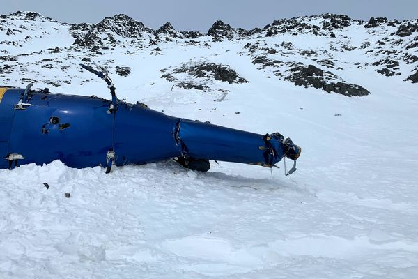 The scene of the helicopter crash in the Chugach Mountains, near the Knik Glacier, Sunday, March 28, 2021. (Alaska Mountain Rescue Group photo via Alaska State Troopers)