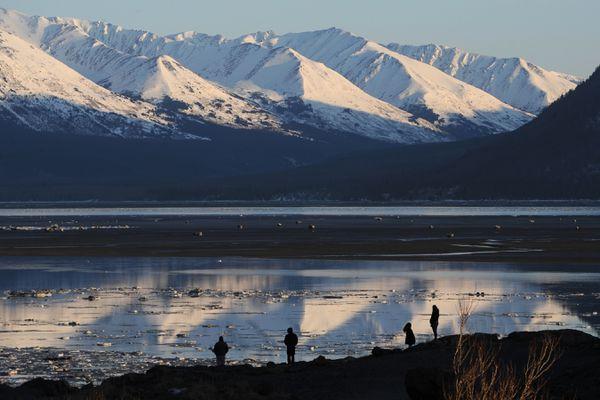 Social distancing Alaskan style at Beluga Point on Monday, March 30, 2020. (Bill Roth / ADN)