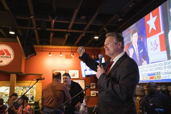Mike Dunleavy speaks to a crowd at a republican party celebration on election night, Tuesday, Nov. 6, 2018 at the Anchorage Alehouse. (Loren Holmes / ADN)