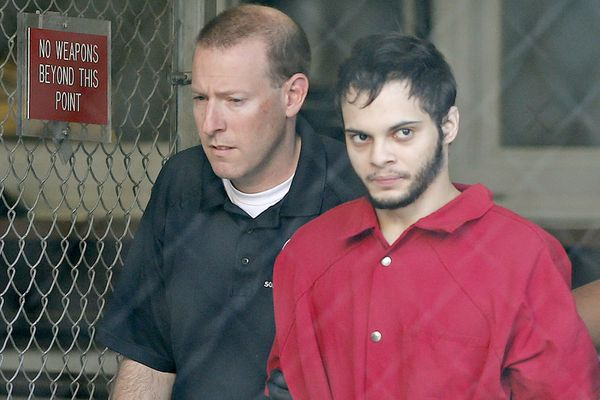 Fort Lauderdale airport shooter Esteban Santiago is transferred from Broward County Jail to United States Federal Court in Fort Lauderdale for a detention hearing on Tuesday, January 17, 2017. (Al Diaz / Miami Herald)