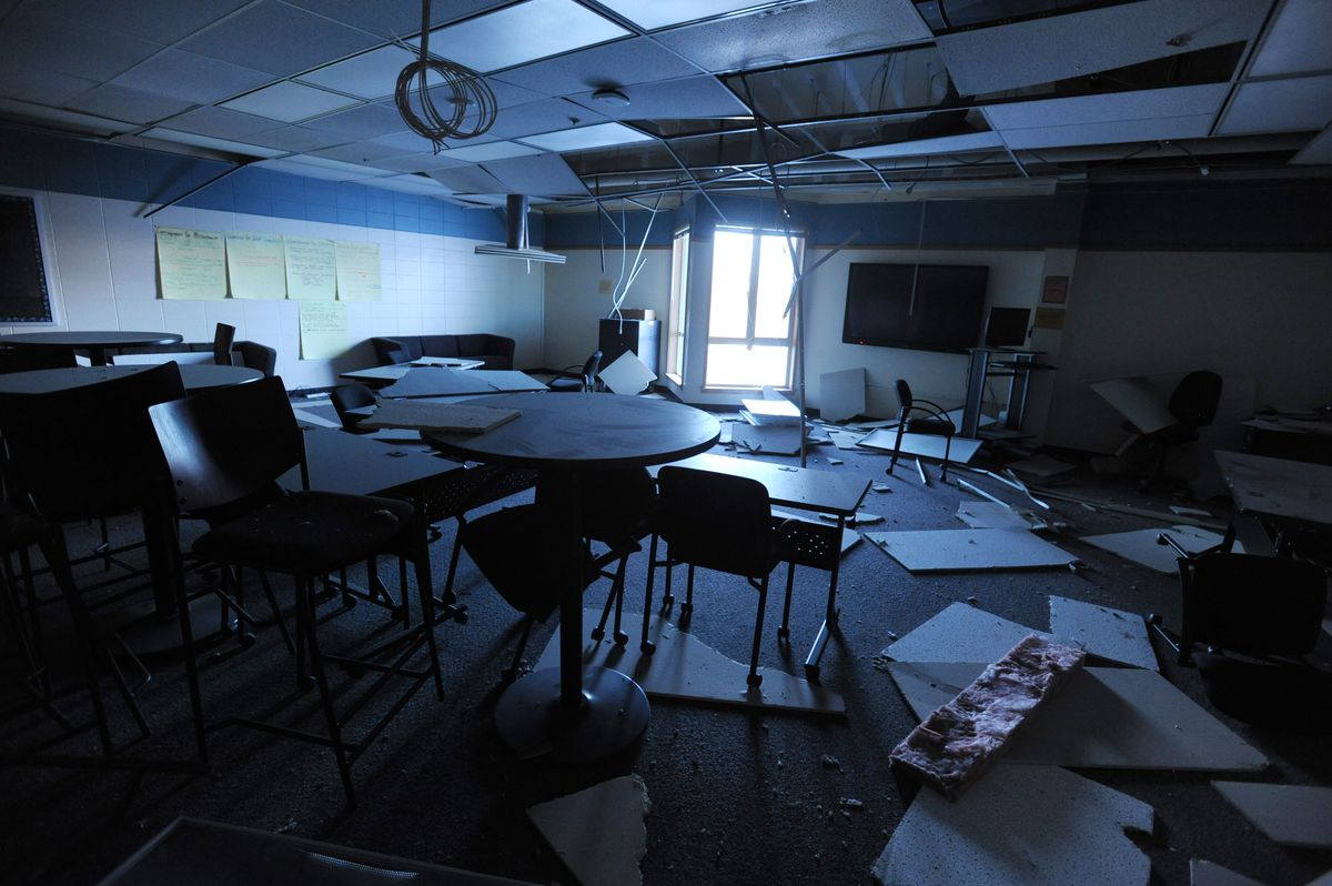 Earthquake damaged classroom at Houston Middle School on Monday, Dec. 3. 2018. (Bill Roth / ADN)