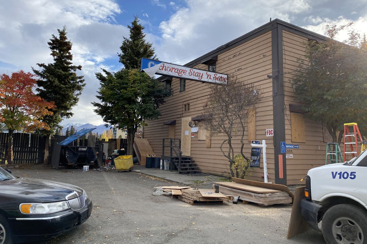 The Anchorage Stay N' Save abruptly closed Oct. 8, 2020. Some 30 people were forced to leave. (Paula Dobbyn / ADN)