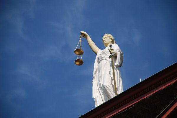 Lady Justice. w/Christine Flowers column. (Pixabay)