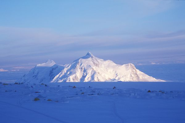 Mount Hunter stands at 14,573 feet in the Alaska Range. (Ned Rozell)