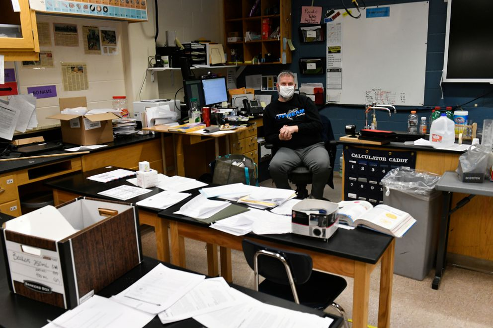 """""""I want them back, ' said eighth grade science teacher David Patat of his Skyview Middle School students. (Marc Lester / ADN)"""
