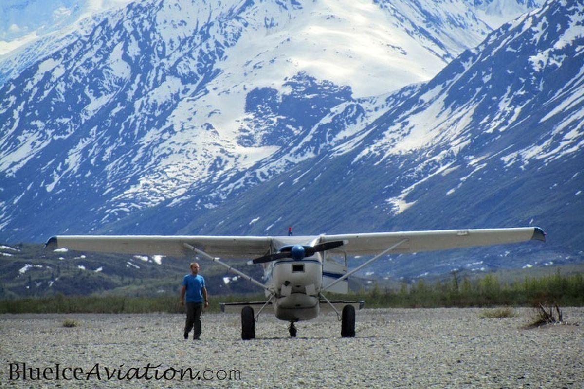 Alaska bush planes: Super Cub vs  Cessna 185 (+Video