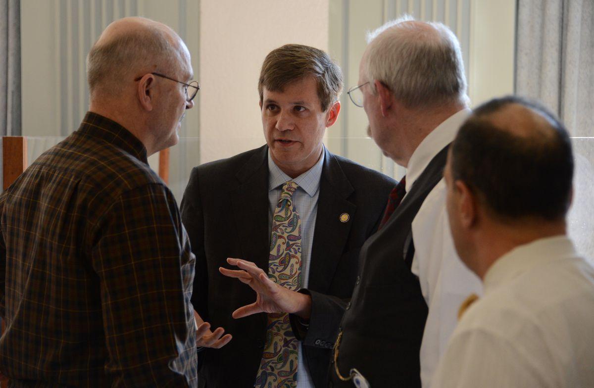 Sen. Bill Wielechowski, D-Anchorage, talks about a budget amendment on Tuesday, May 18, 2021 with fellow senators. (James Brooks / ADN)
