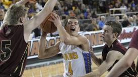 A couple of familiar faces join coaching staff for UAA men's basketball team
