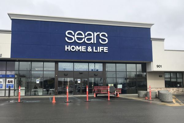 A Sears Home & Life store will open in May 2019 at 901 E. Dimond Blvd. (Annie Zak / ADN)