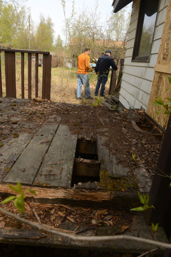City's crackdown on abandoned buildings helps Anchorage