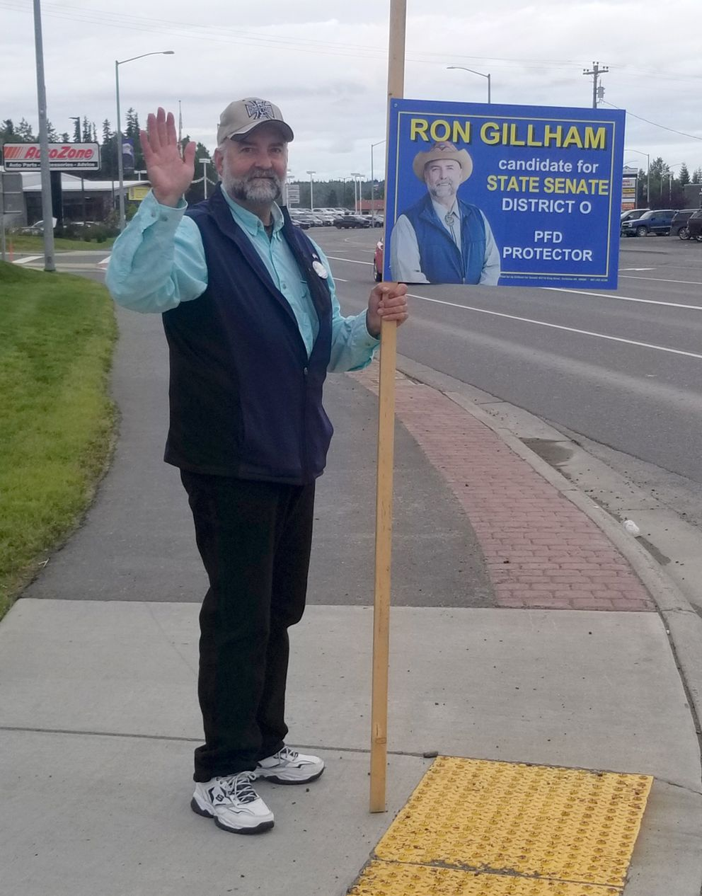 Ron Gillham campaigns in Soldotna, Monday, Aug. 20, 2018. (Photo by Cathy Sturman)
