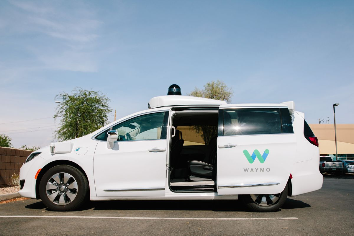 A Waymo Chrysler Pacifica autonomous vehicleparked in Chandler, Arizona, on July 30, 2018. (Caitlin O'Hara/Bloomberg)