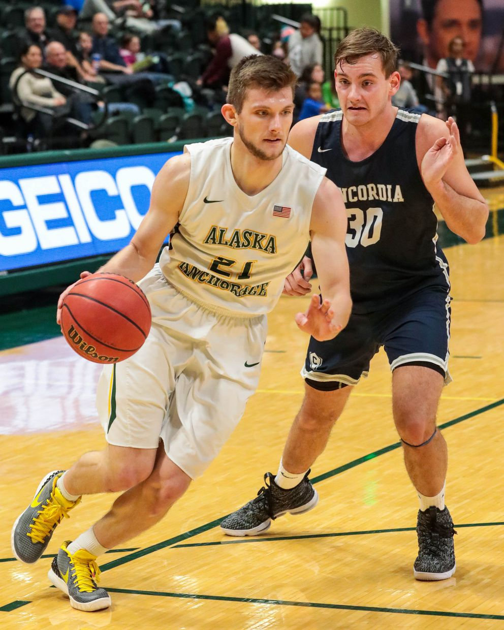 UAA's Matt Seymour plays in a game against Concordia on Saturday, Jan. 5, 2019 at the Alaska Airlines Center. UAA won 75-66. (Loren Holmes / ADN)