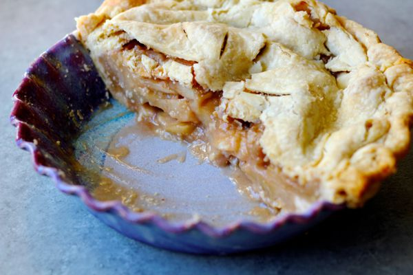 Apple pie (Photo by: Maya Wilson/Alaska From Scratch)