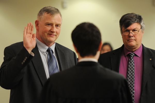 The Anchorage School Board welcomed its two newly elected members Monday: Dave Donley, a former Alaska state legislator, and Andy Holleman, a former president of the Anchorage Education Association teachers union. Donley and Holleman took their oath of office from Anchorage Youth Court judge Trevor Bailly at the Monday, April 24, 2017, meeting, taking over the Board seats from Pat Higgins, who reached his term limit, and Kameron Perez-Verdia, who did not seek reelection. (Bill Roth / ADN)